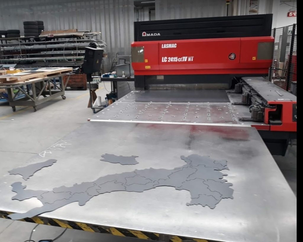 Macchina Taglio Laser CO2 con riposizionamento automatico