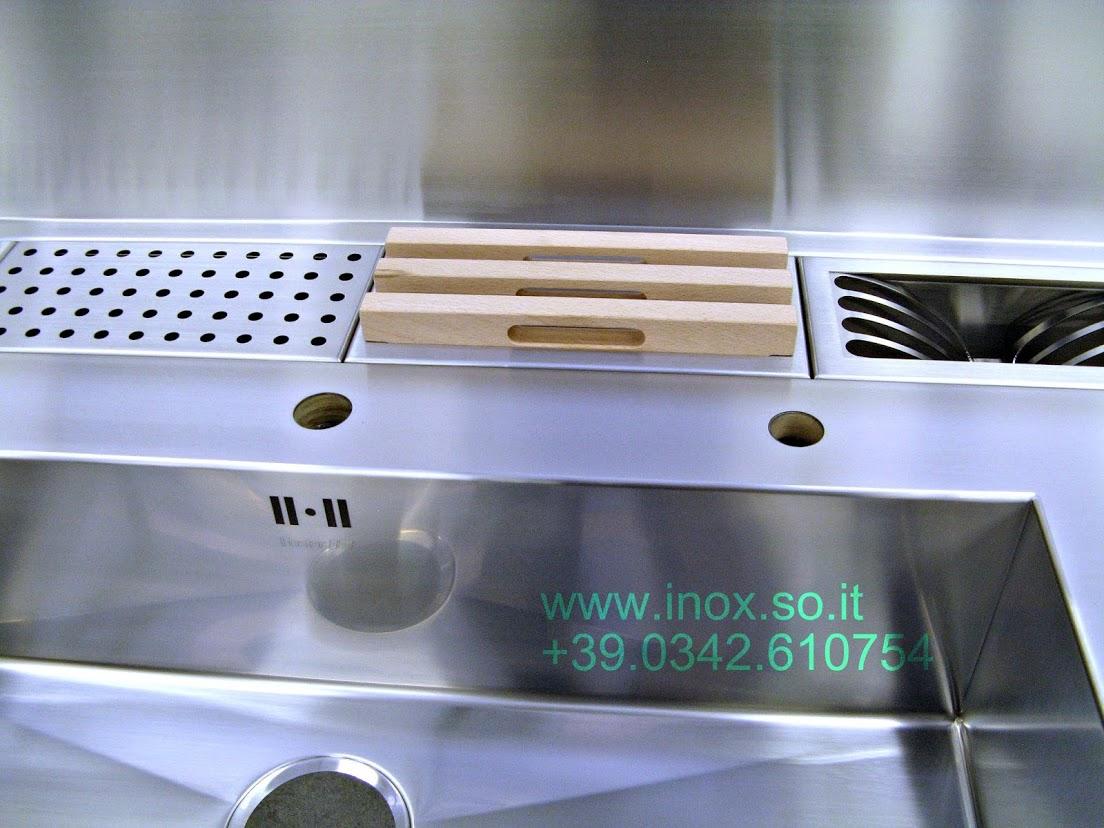 Foto piano cucina con canale attrezzato