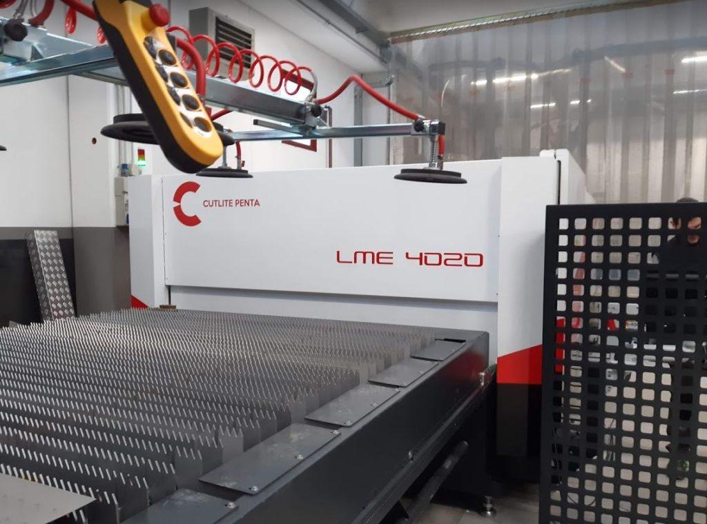 Macchina taglio laser fibra